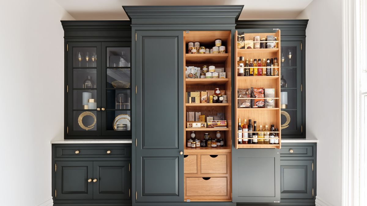Kitchen cupboard storage ideas – tips for designing functional cabinets