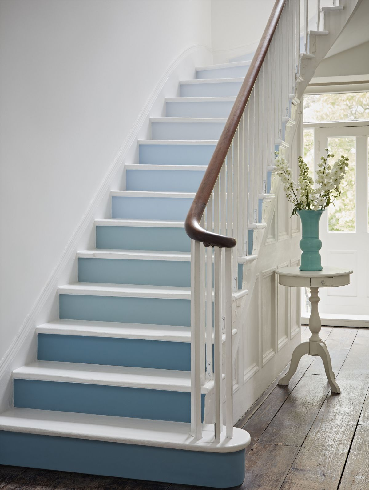 Painting Stairs 10 Ideas And Tips On How To Update Your Stairs Quickly Real Homes