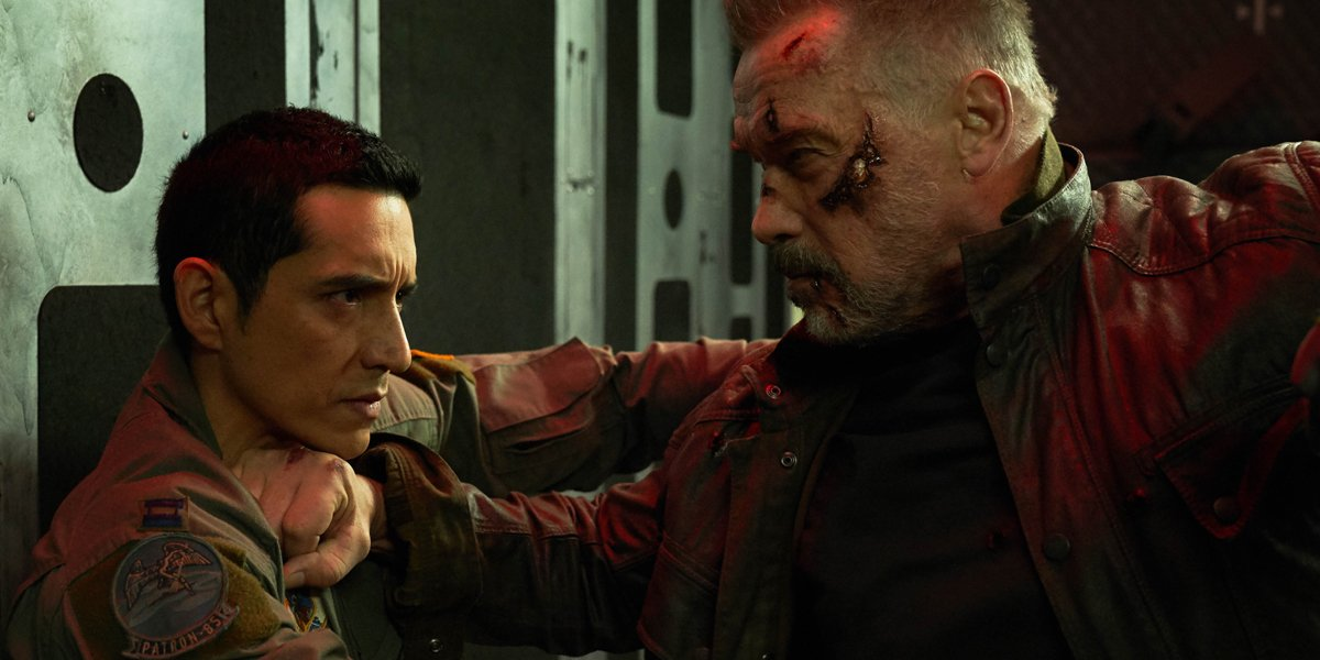 Gabriel Luna and Arnold Schwarzenegger fight in Terminator Dark Fate