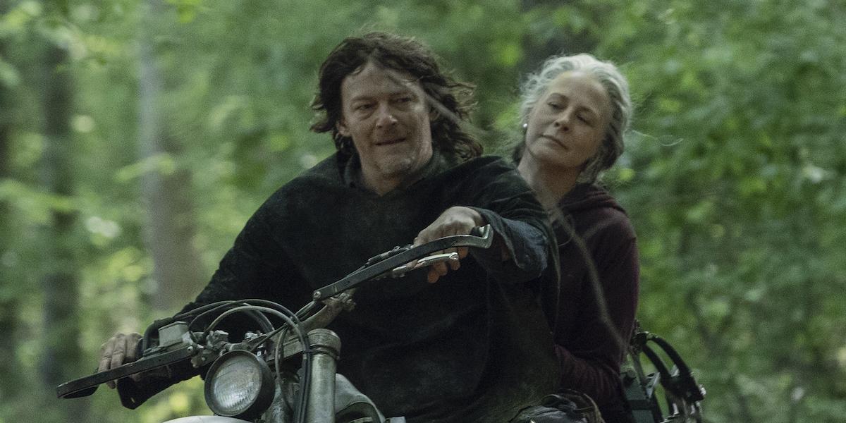 daryl and carol on motorcycle walking dead season 10