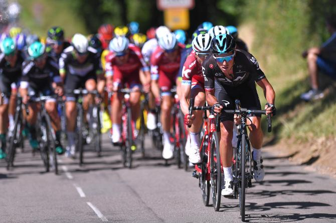 Peter Kennaugh puts in a stint on the front of the peloton