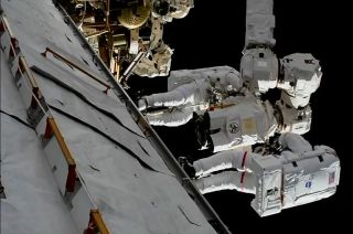 spacewalk canadarm2 lee replacement