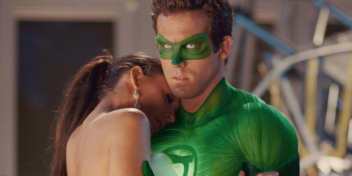 Blake Lively and Ryan Reynolds in Green Lantern