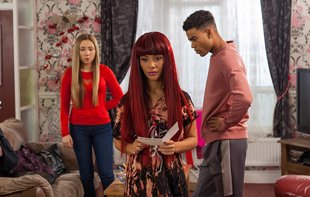 Is Goldie about to rumble Peri's fake pregnancy in Hollyoaks?