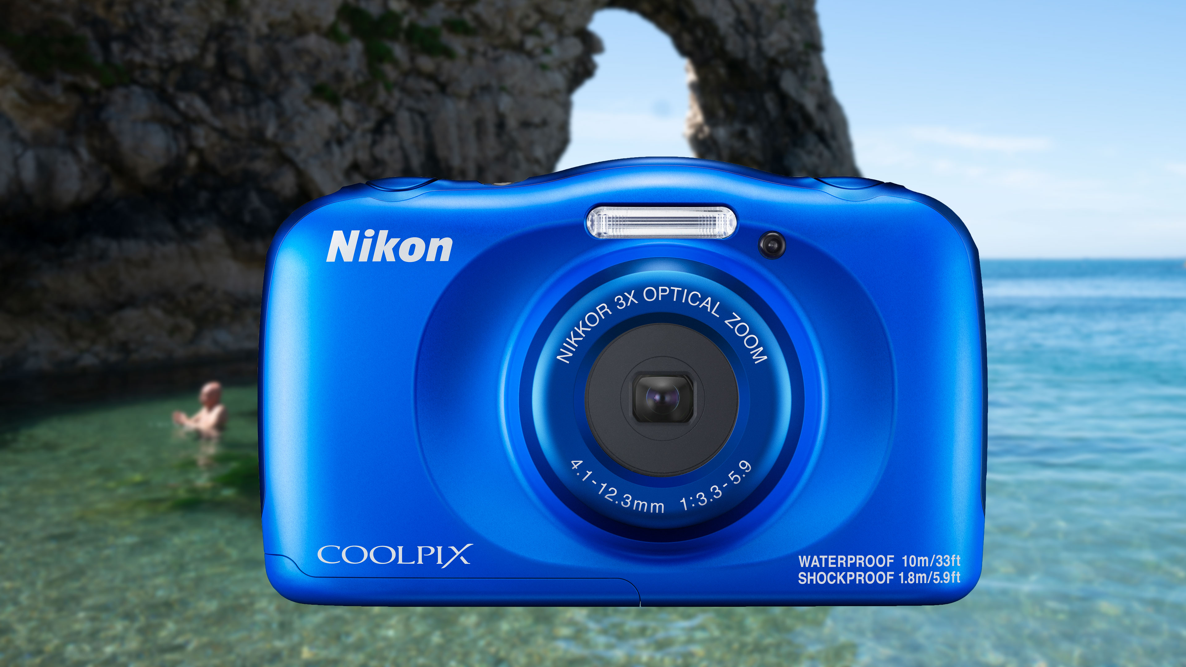 Nikon Coolpix W150 joins the pool party