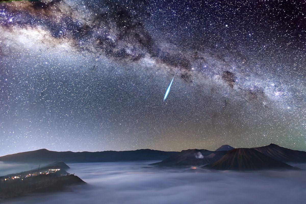 The Eta Aquarid meteor shower of 2021 peaks this week. Here's how to see it.