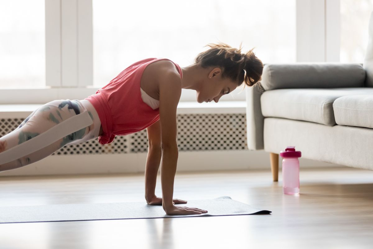 6 beginner workout moves to get you started at home or at the gym