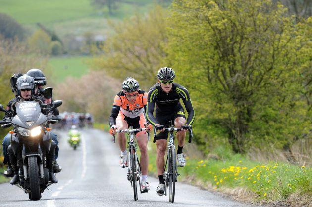 Pete Williams and Scott Thwaites in break, Tour of the Reservoir 2012