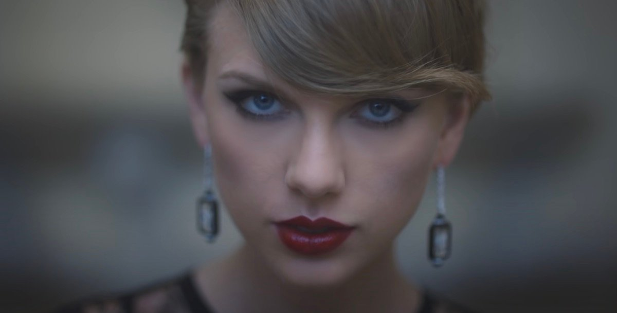 Taylor Swift in Blank Space music video