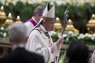 Pope Francis leads the Easter vigil mass in Saint Peter's Basilica on Holy Saturday. Vatican City, 19 April 2014.