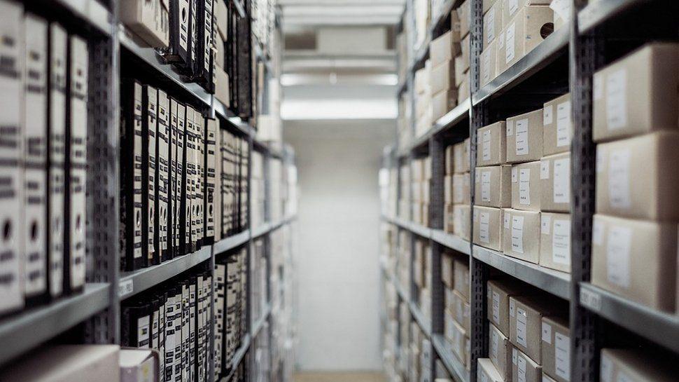 What is AWS Storage Gateway?