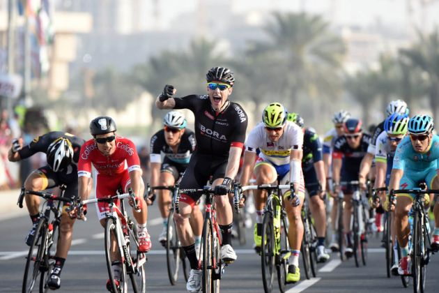 Sam Bennett wins stage six of the 2015 Tour of Qatar