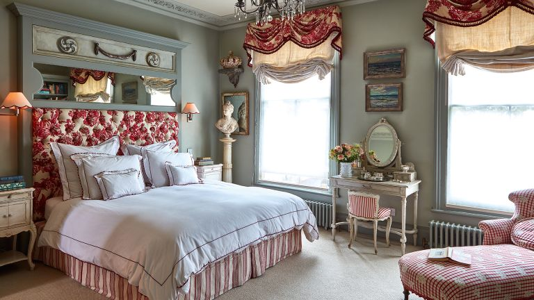 Regencycore: a period style bedroom