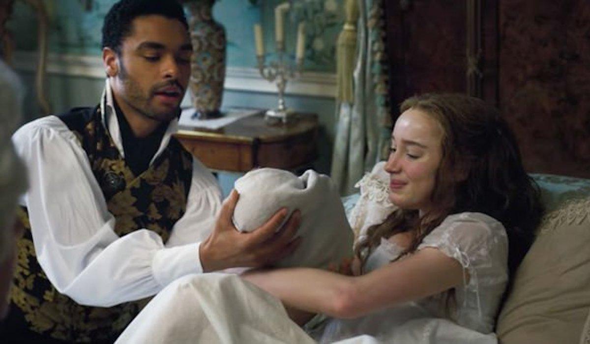 Simon, Daphne and baby in Bridgerton Season 1 finale