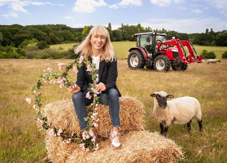 Sara Cox in Love in the Countryside