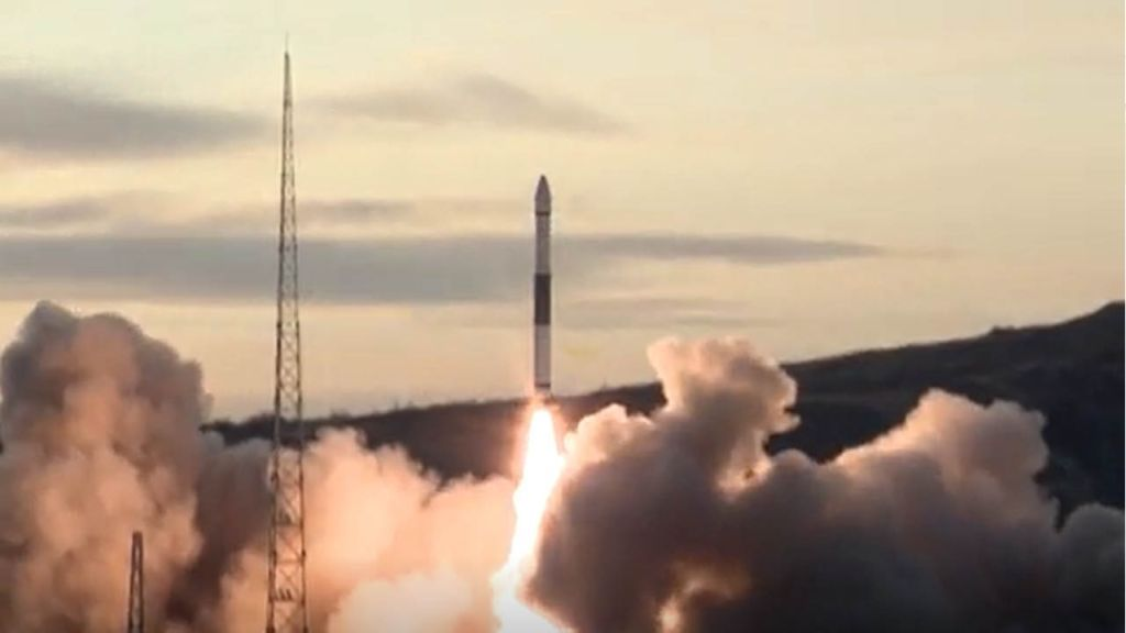 Chinese rocket sells for $5.6 million in livestreamed auction: report thumbnail