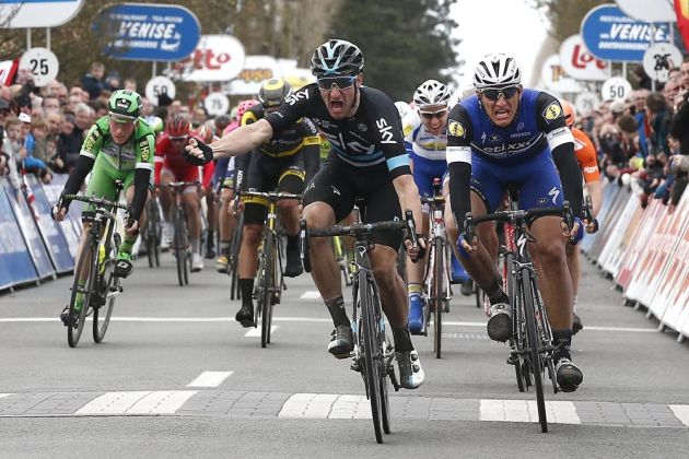 Elia Viviani wins stage two of the 2016 3 Days of DePanne