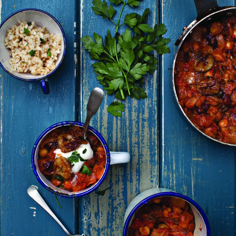 Photo of tomato and banana bean curry