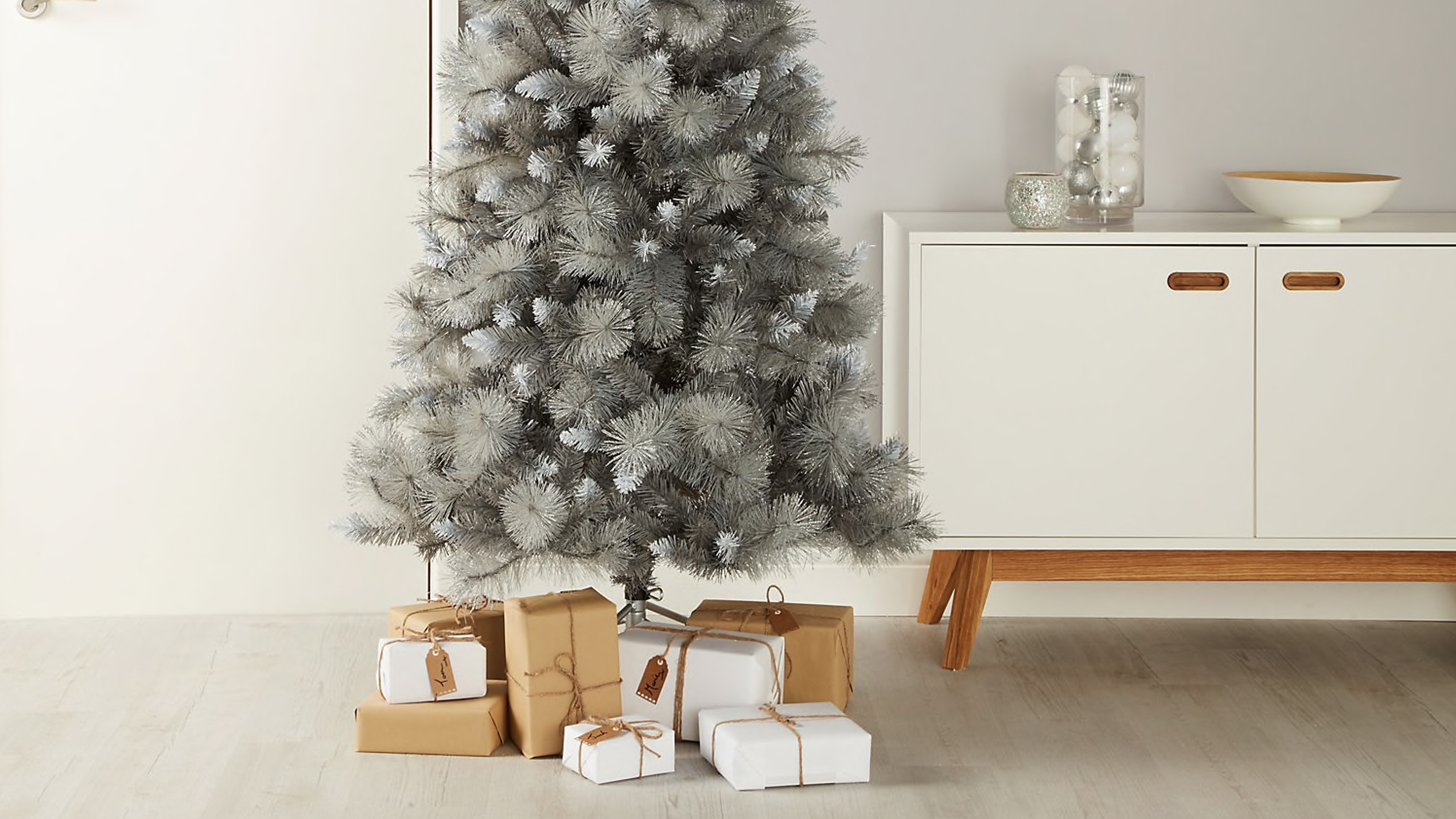 B Q Christmas Trees Real And Artificial Are Making Us Feel Fabulously Festive Real Homes