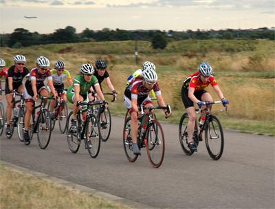Hillingdon cycle circuit, women riding