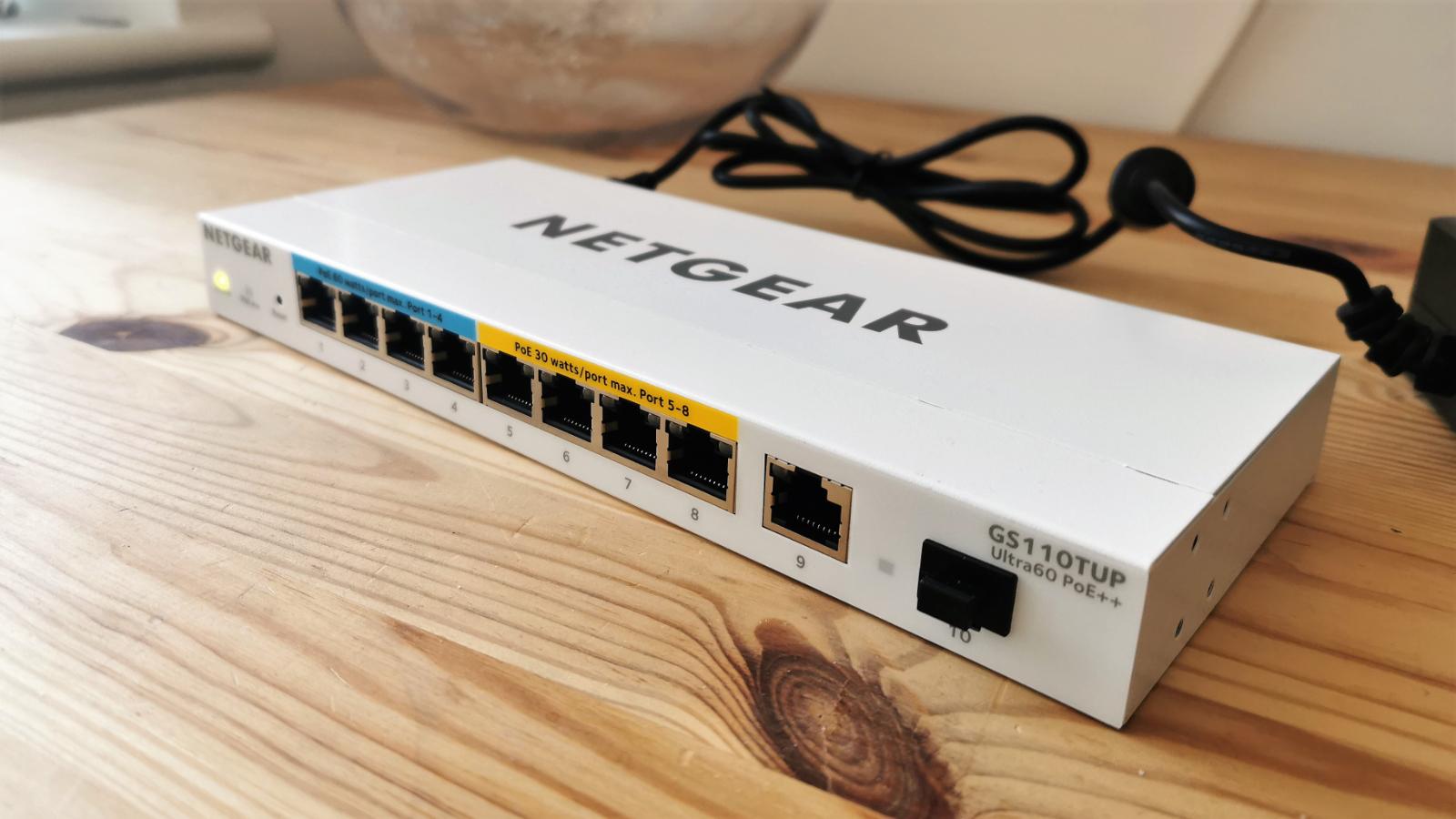 Netgear GS119TUP PoE+ Managed Switch