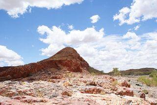 marble-bar-australia-weird-weather-110302-02