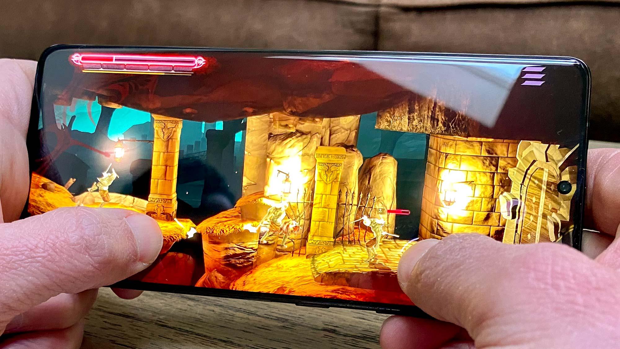 Samsung Galaxy S21 Plus vs. Galaxy S21 Ultra