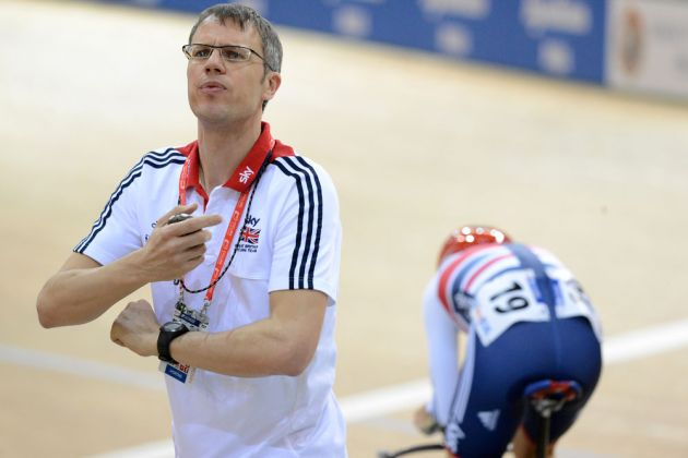 Paul Manning watches Laura Trott in omnium, Track World Championships 2013, day five