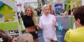 Watch Britney Spears Mess With People In A Mall With Ellen