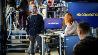 DDOS attack, a.k.a. Denial of Service attack -- Pictured: Jeremy Piven as Jeffrey Tanner. While the team is assisting the San Francisco Police Department on a tech-based murder case, a cyber-criminal attacks Sophe and cripples the platform, on CBS TV show Wisdom of the Crowd.