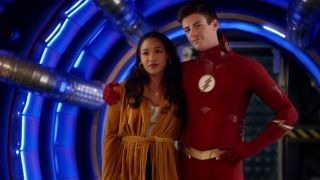Iris West Allen (Candice Patton) and Barry Allen (Grant Gustin) in the pipeline at STAR Labs.