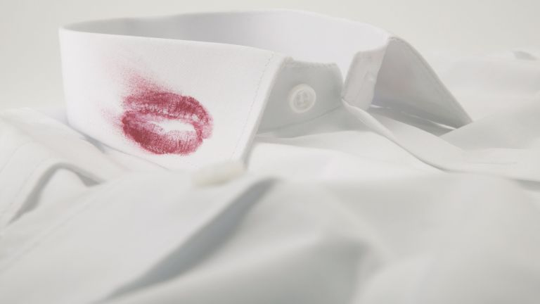 lipstick mark on white shirt collar - GettyImages-518979744