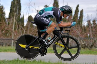 B&B Hotels-Vital Concept's Arthur Vichot in time-trial mode at the 2019 Paris-Nice