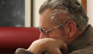 old-man-sleeping-110411-02