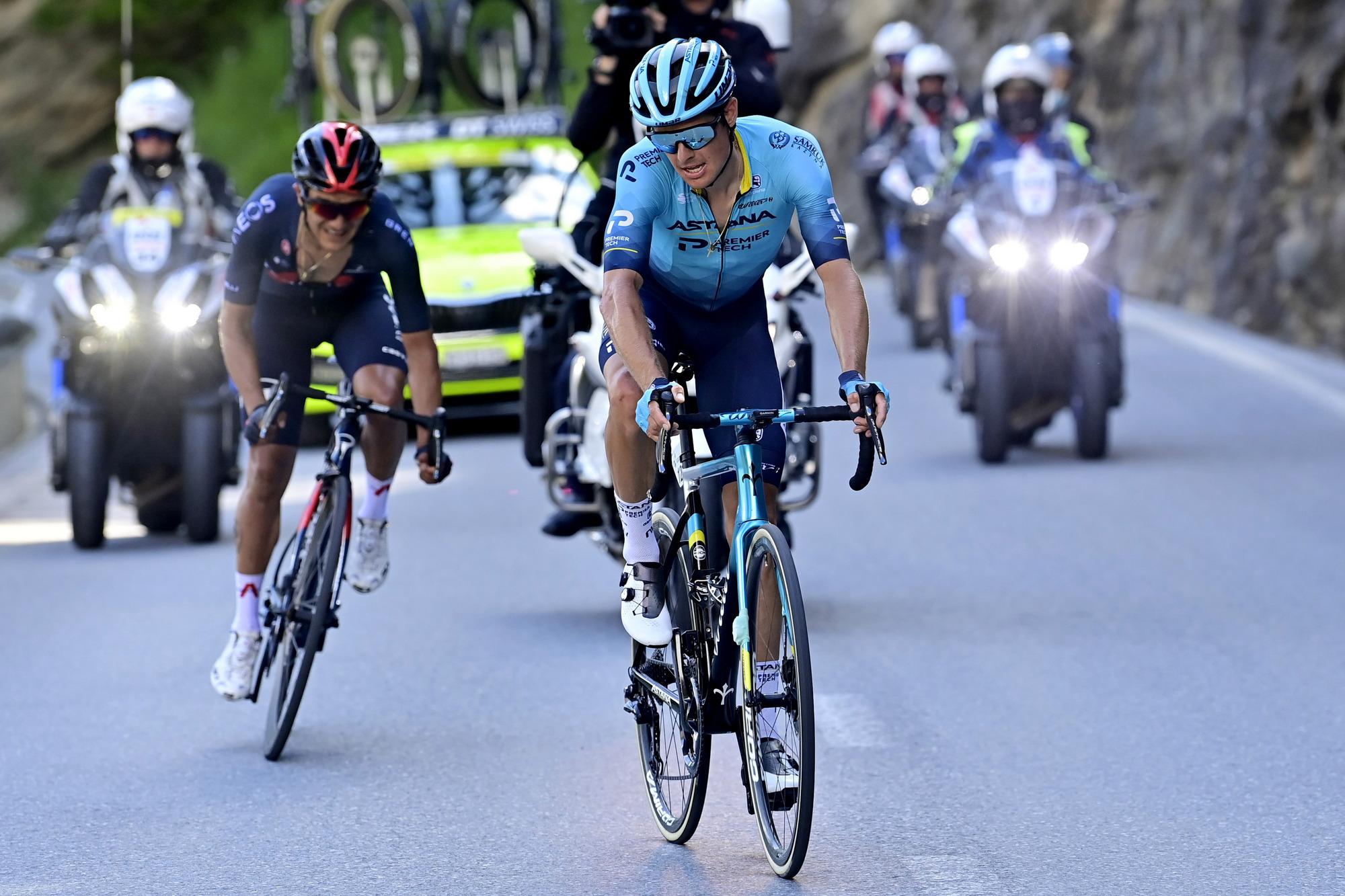 Tour de Suisse 2021 - 85th Edition - 5th stage Gstaad - Leukerbad 175,2 km - 10/06/2021 - Jakob Fuglsang (DEN - Astana - Premier Tech) - Richard Carapaz (ECU - Ineos Grenadiers) - photo Peter De Voecht/PN/BettiniPhoto©2021