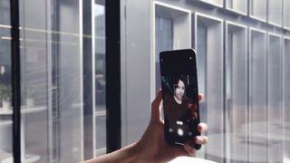 Xiaomi Mi 10 Ultra con cámara oculta tras la pantalla