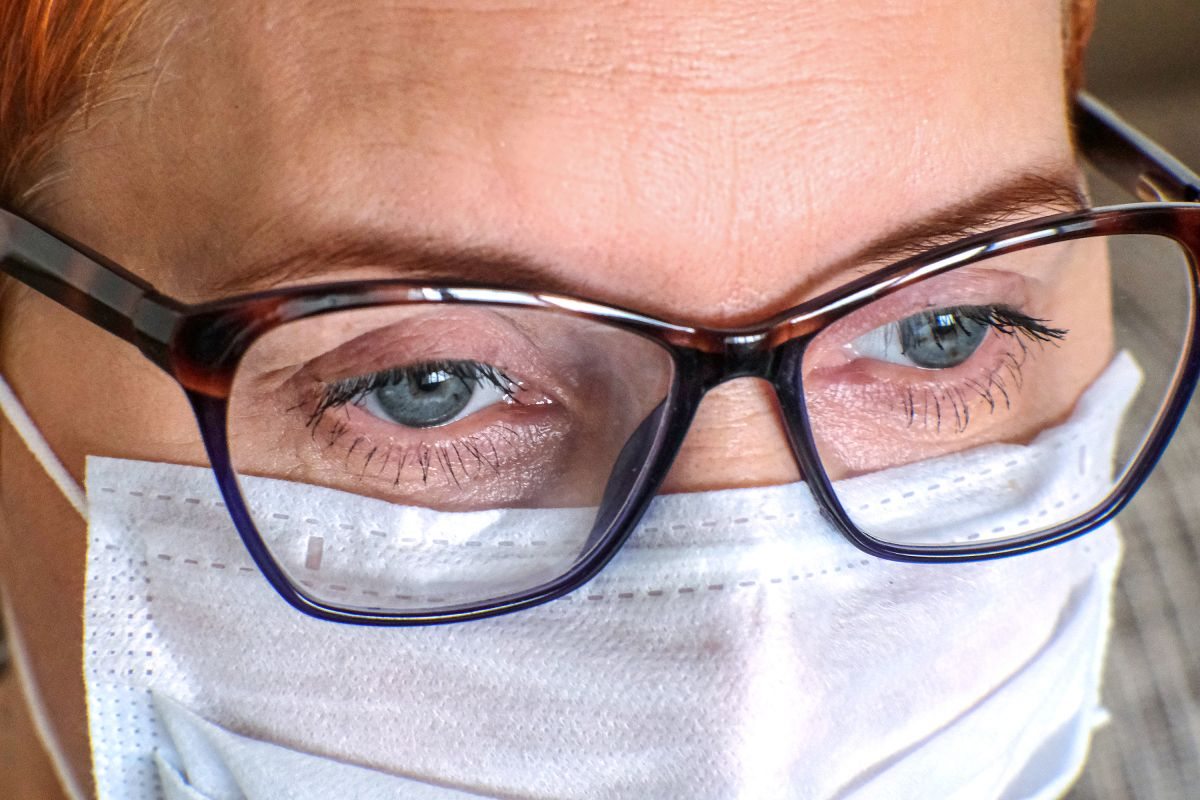 Could wearing glasses lower the risk of COVID-19? - Live Science