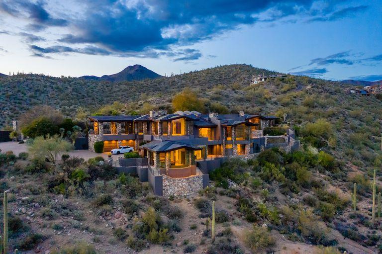 Steven Seagal's home