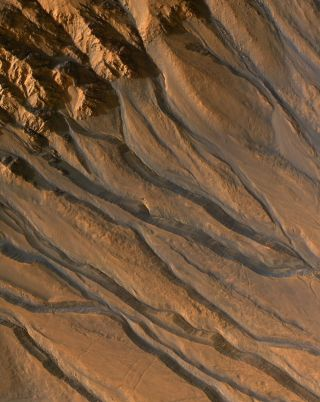 Gully Channels on Mars