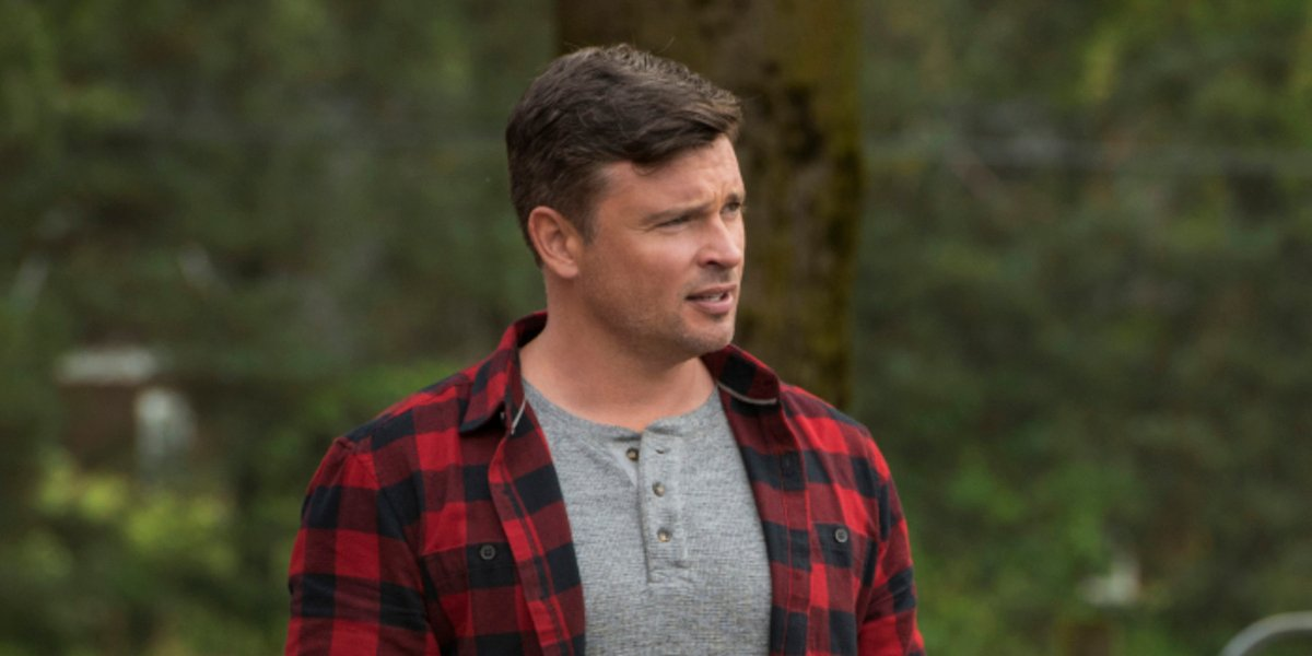 tom welling batwoman crisis on infinite earths smallville
