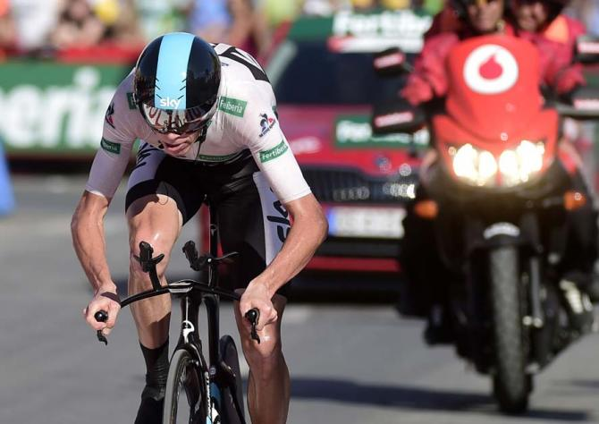 Chris Froome digs deep to win stage 19