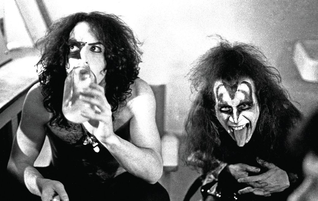 Nothin' to Lose: Gene Simmons and Paul Stanley Go for Broke As They Weigh In on Kiss Guitarists Past and Present | Guitarworld