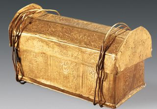 A skull bone of the Buddha was found inside this gold casket.