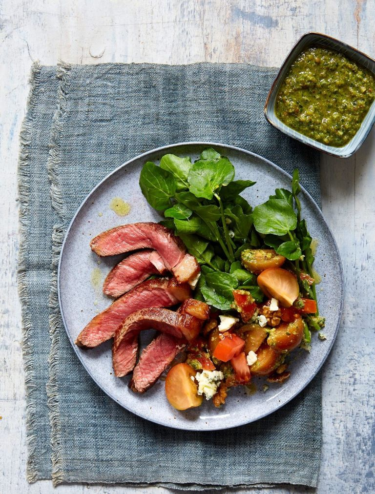 steak salad with blue cheese and walnut pesto