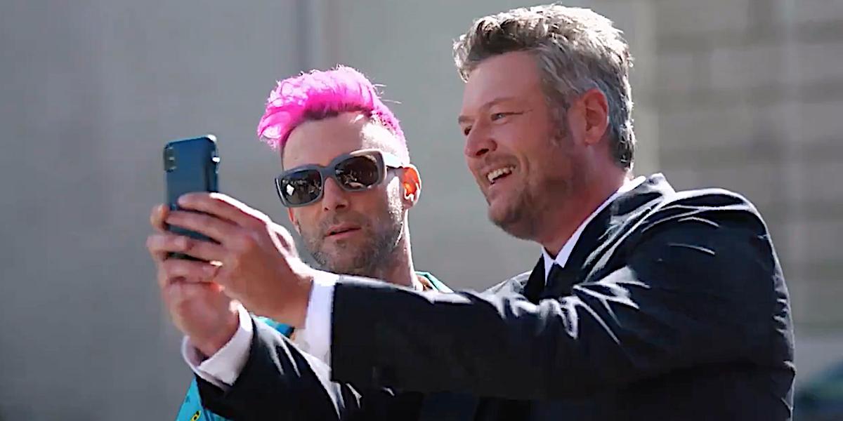 The Voice Adam Levine Blake Shelton take a selfie