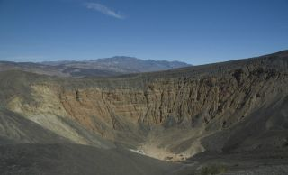 death valley crater, ubehebe crater, volcano in death valley, volcano underneath death valley, death valley volcano, volcanic eruptions, vulcanology, earth, environment
