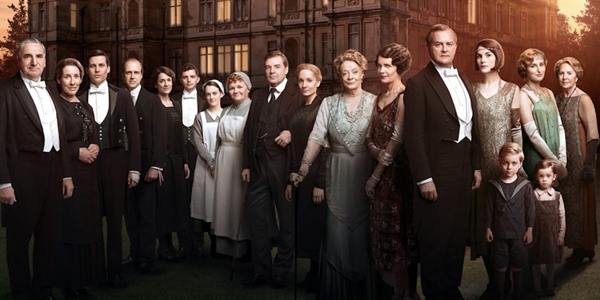 What's Going On With The Downton Abbey Movie, According To One Actor