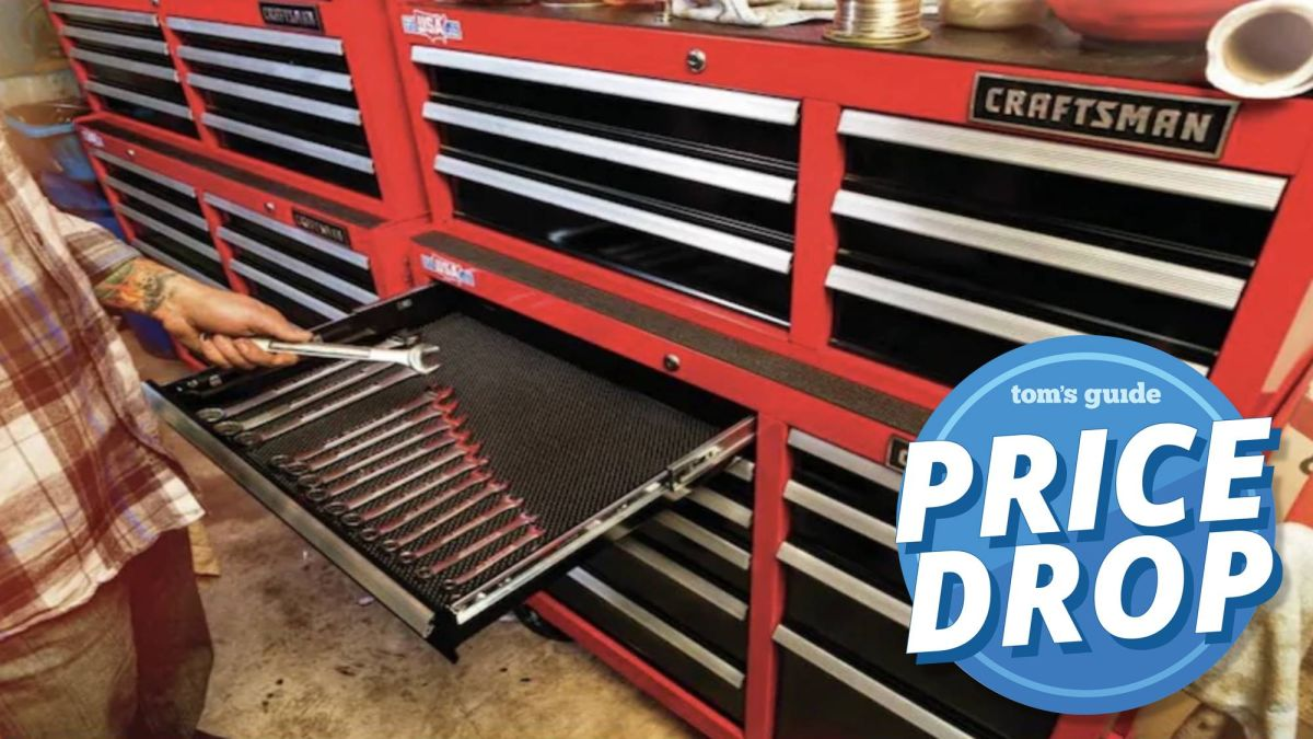 Lowe's post Memorial Day sale: $80 off Craftsman 2000 Series Rolling Tool Cabinet
