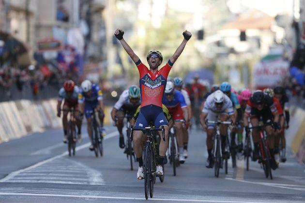 Vincenzo Nibali wins Milan-San Remo with heroic solo attack on the Poggio d17cad571