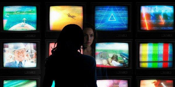 Diana looking at screens in Wonder Woman 1984